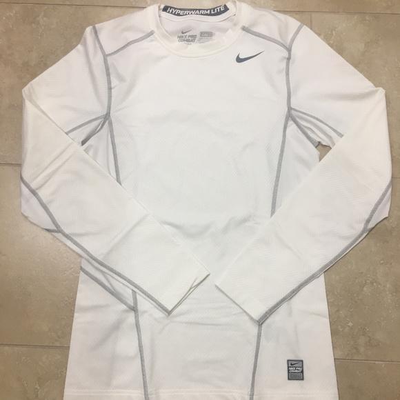 9a215f287461 Men s Nike Hyperwarm Lite Fitted Long Sleeve Shirt.  M 5a9231d53b1608948e93b00f